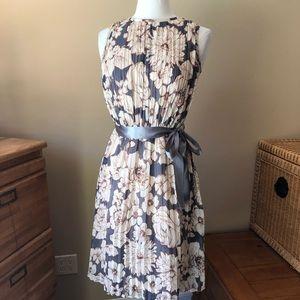 Ellen Tracy Floral Dress (fits 4-6)